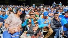 कोहली ने निभाया टिकिट देने का वादा, फिर मैदान में दिखीं टीम की सुपरफैन