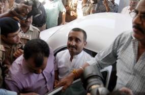 उन्नाव केस: आरोपी विधायक कुलदीप से जेल में मिलने आए 10 हजार लोग
