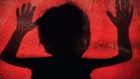 पिता ने 13 वर्षीय मासूम से किया दुराचार, गर्भपात होने पर बिगड़ी हालत