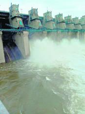बारिश से जलाशय लबालब, चौरई बांध के 6 गेट खोले अब 1000 क्यूमेक्स पानी