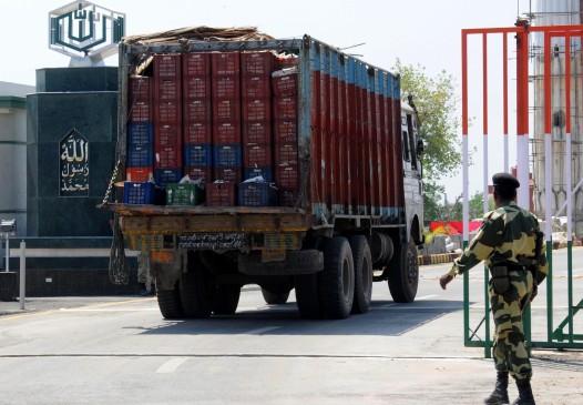 उत्तर प्रदेश के बिजनौर में दो ट्रकों में भिंड़त, पांच लोगों की मौत, 6 गंभीर