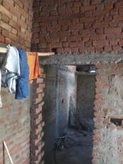 पीएम आवास में भारी गोलमाल : फर्श न प्लास्टर, आवासों में खिड़की-दरवाजे तक नहीं