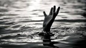 पैर में लगा कीचड़ धोने तालाब में उतरी छात्राएं, डूबने से तोड़ा दम