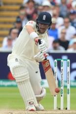बर्मिघम टेस्ट : बर्न्स का पहला शतक, इंग्लैंड मजबूत