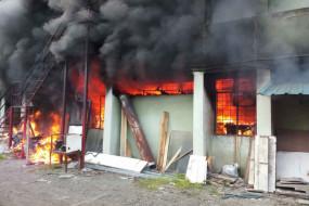 पुणे में केमिकल कंपनी में लगी भीषण आग, साढ़े पांच घंटों की मशक्कत के बाद काबू