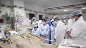 जब अस्पताल में गौर से मिलने पहुंचे CM कमलनाथ तो आंखों से छलक पड़े आंसू