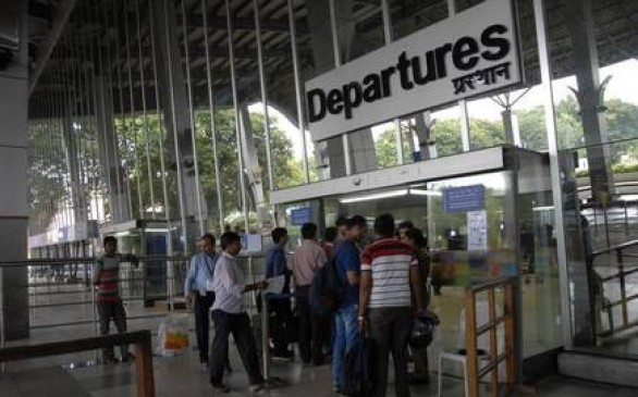 फिर उड़ानें प्रभावित हुईं : दिल्ली, मुंबई से आने वाले विमानों में देरी