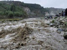 बाढ़ से बेहाल उत्तर भारत, उत्तराखंड में फटा बादल, 28 की मौत 17 के शव बरामद