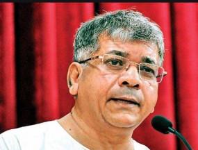 कोल्हापुर-सांगली डूबने के लिए सरकार जिम्मेदार: आंबेडकर