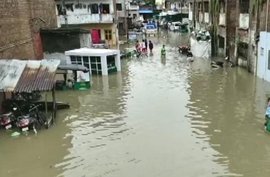 बारिश से बेहाल वडोदरा, सीएम रुपाणी ने की समीक्षा, NDRF की टीमें तैनात