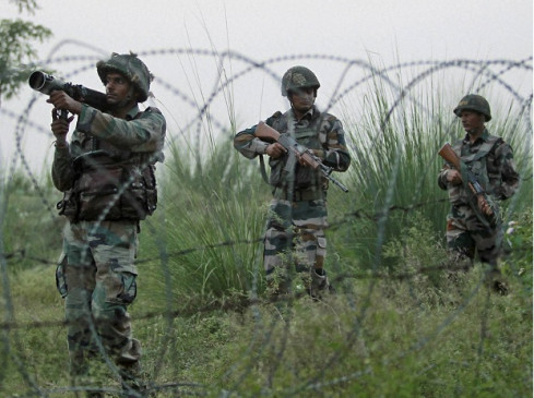 LOC पर भारत का मुंहतोड़ जवाब, फायरिंग में कई पाकिस्तानी पोस्ट तबाह