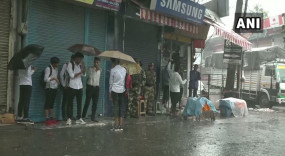 जम्मू-कश्मीर के हालात सामान्य, आज से फोन और इंटरनेट सेवाएं बहाल