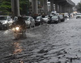 बाढ़ के कारण कोच्चि एयरपोर्ट रविवार तक बंद