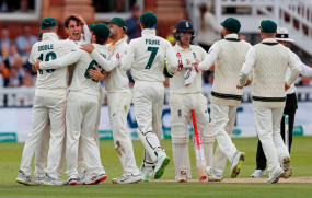लंदन टेस्ट : ऑस्ट्रेलिया ने इंग्लैंड को बैकफुट पर धकेला