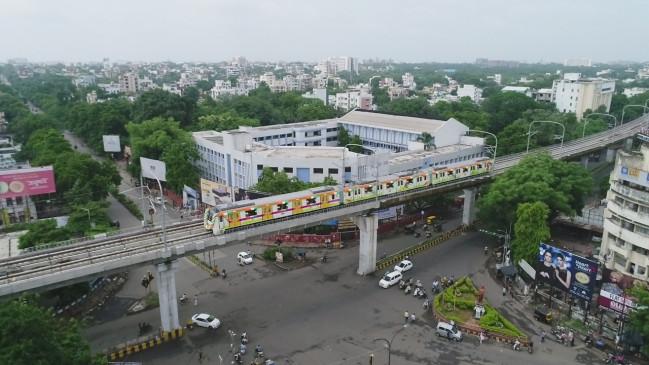 आजादी पर्व परचली मेट्रो, लोगों ने बजाई तालियां, दिखा भारी उत्साह