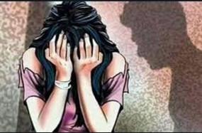 शादी का झांसा देकर युवती का किया दैहिक शोषण, डायल 100 के चालक ने युवक को चाकू घोंपा