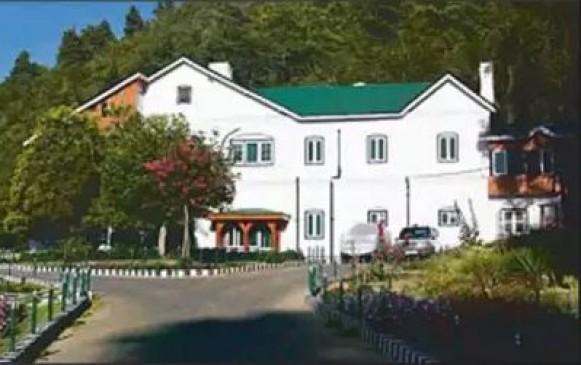J&K से हटी धारा 370, पूर्व मुख्यमंत्रियों को अब छोड़ना होगा सरकारी आवास