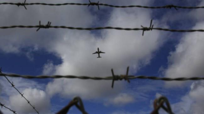 370 हटने से खिसियाया पाक, बंद किया एयरस्पेस, राजौरी में दागे मोर्टार