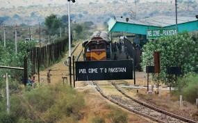 आर्टिकल 370 पर बौखलाया PAK, रोकी समझौता एक्सप्रेस, भारतीय फिल्में भी बैन