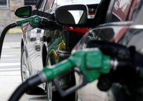 Fuel Price: 15 दिनों में 1.25 रुपए प्रति लीटर सस्ता हुआ पेट्रोल, जानें आज के रेट