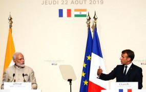 फ्रांस के राष्ट्रपति मैक्रों ने कहा- कश्मीर आंतरिक मामला, कोई तीसरा देश दखल ना दे