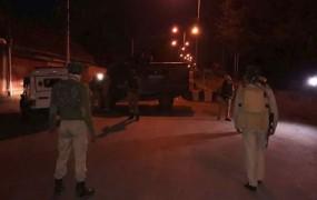 J&K: श्रीनगर में धारा 144 लागू, मुफ्ती-अब्दुल्ला हाउस अरेस्ट, स्कूल-कालेज बंद