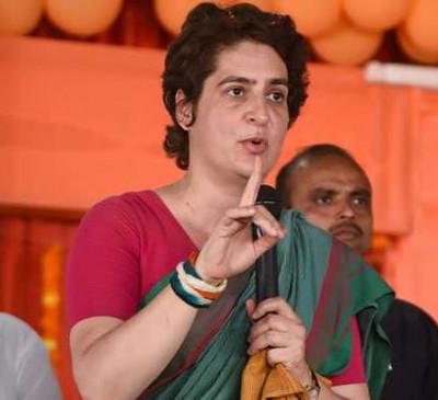 प्रियंका ने मोदी सरकार पर साधा निशाना,कहा- भयंकर मंदी पर चुप्पी खतरनाक