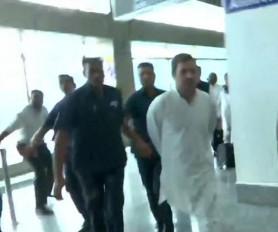 राहुल के नेतृत्व में श्रीनगर पहुंचे डेलिगेशन को एयरपोर्ट से वापस दिल्ली भेजा