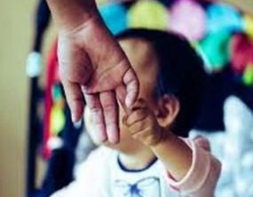 बच्चा चोरी की अफवाह फैलाने वालों ने किया पुलिस टीम पर हमला