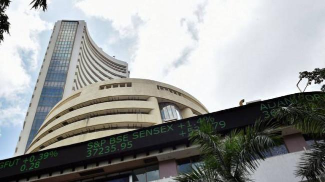 तेजी में बंद हुआ शेयर बाजार, सेंसेक्स 263.86 अंक चढ़ा और निफ्टी 11,000 के पार
