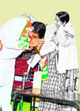 सुषमा स्वराज की नागपुर से जाती थी होमियोपैथी की दवा, डॉ. विलास डांगरे कर रहे थे इलाज