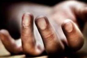 घर में सो रही महिला की कुल्हाड़ी से हत्या, जादू-टोना की आशंका