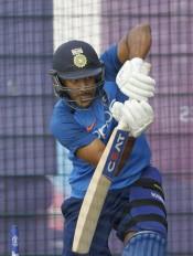अनाधिकारिक टेस्ट : इंडिया-ए को जीत के लिए चाहिए 93 रन