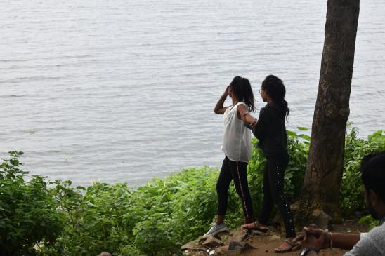 मौसम विभाग को भी छका रही बारिश, रुक-रुक कर बरस रही रिमझिम फुहारें