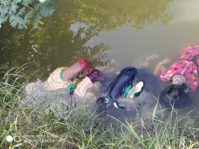 चार बच्चियों के साथ महिला ने कुएं में लगाई छलांग, एक माह पूर्व पति ने की थी आत्महत्या