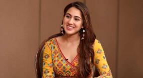 सारा अली खान का पुराना वीडियो वायरल, बेटी को चीयर करते नजर आ रहे सैफ-अमृता