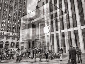 एप्पल के संचार प्रमुख स्टीव डॉवलिंग कंपनी छोड़ेंगे