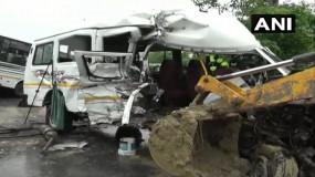 असम: शिवसागर जिले में बस और मिनी बस के बीच टक्कर, 10 लोगों की मौत