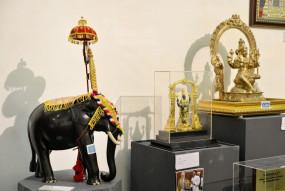 प्रधानमंत्री मोदी को मिले उपहारों की नीलामी हुई शुरु, जानें उपहारों की कीमत