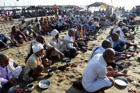 बिहार : पिंडदानियों के लिए सजधज कर तैयार मोक्ष नगरी गया
