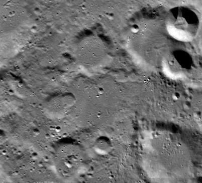 NASA ने जारी की विक्रम के लैंडिंग साइट की तस्वीरें, नहीं चला 'लैंडर' का पता