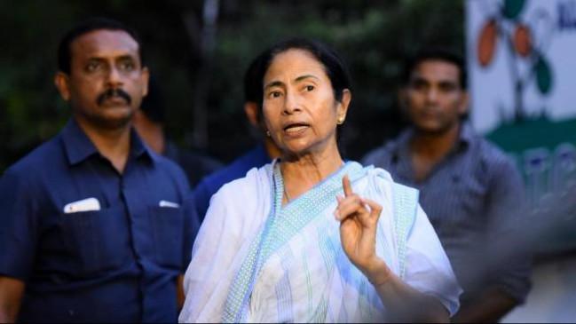 ममता ने साधा पीएम पर निशाना, कहा- चंद्रयान-2 आर्थिक मंदी से ध्यान भटकाने की कोशिश