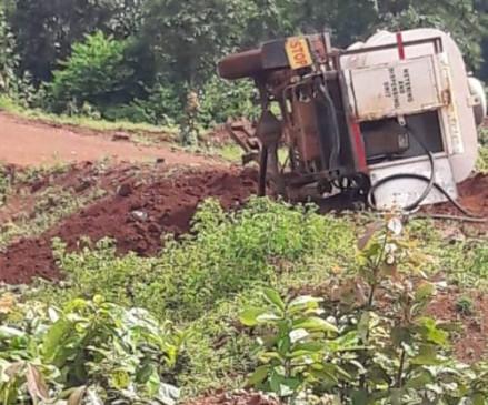 छत्तीसगढ़: कांकेर में नक्सलियों ने उड़ाया डीजल टैंकर, तीन लोगों की मौत
