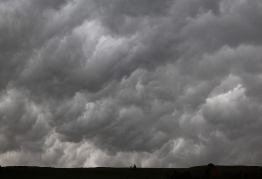 मप्र में आसमान पर बादलों का डेरा, बारिश के आसार