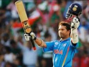 Video : क्रिकेट का भगवान फिर उतरा मैदान में, बैटिंग देखकर कहेंगे क्यों लिया संन्यास