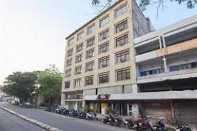 होटल की तिजोरी से नकदी 10.44 लाख चोरी , वारदात को अंजाम देने से पहलेकाटे सीसीटीवी कैमरों के तार