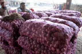 प्याज निर्यात पर प्रतिबंध से नाराज किसानों ने नासिक में रोकी नीलामी