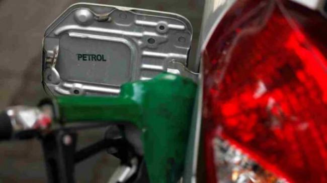 Fuel Price: पेट्रोल और डीजल के दाम में 5 पैसे प्रति लीटर की बढ़ोतरी