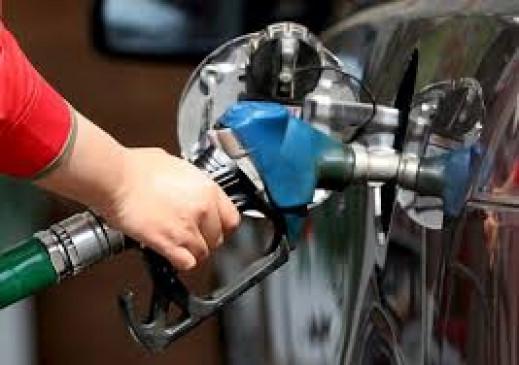 दिल्ली में पेट्रोल की कीमतों ने तोड़ा 10 महीने का रिकॉर्ड, जानें आज की कीमत
