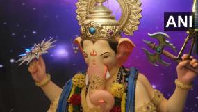 देशभर में गणेश उत्सव की धूम: कुछ ऐसे हुआ बप्पा का स्वागत, देखें तस्वीरें
